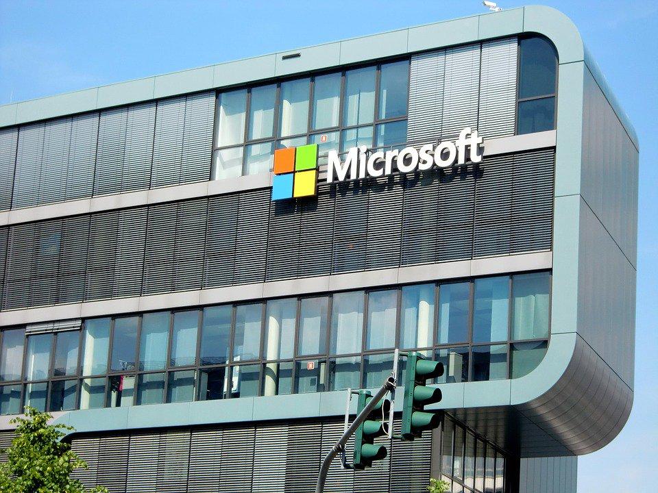 Microsoft Azure Synapse, le cloud pour entreprises  https://www. fredzone.org/microsoft-azur e-synapse-entreprises-554?utm_source=dlvr.it&utm_medium=twitter#utm_source=feed&utm_medium=feed&utm_campaign=feed  … <br>http://pic.twitter.com/dkWxImvedB
