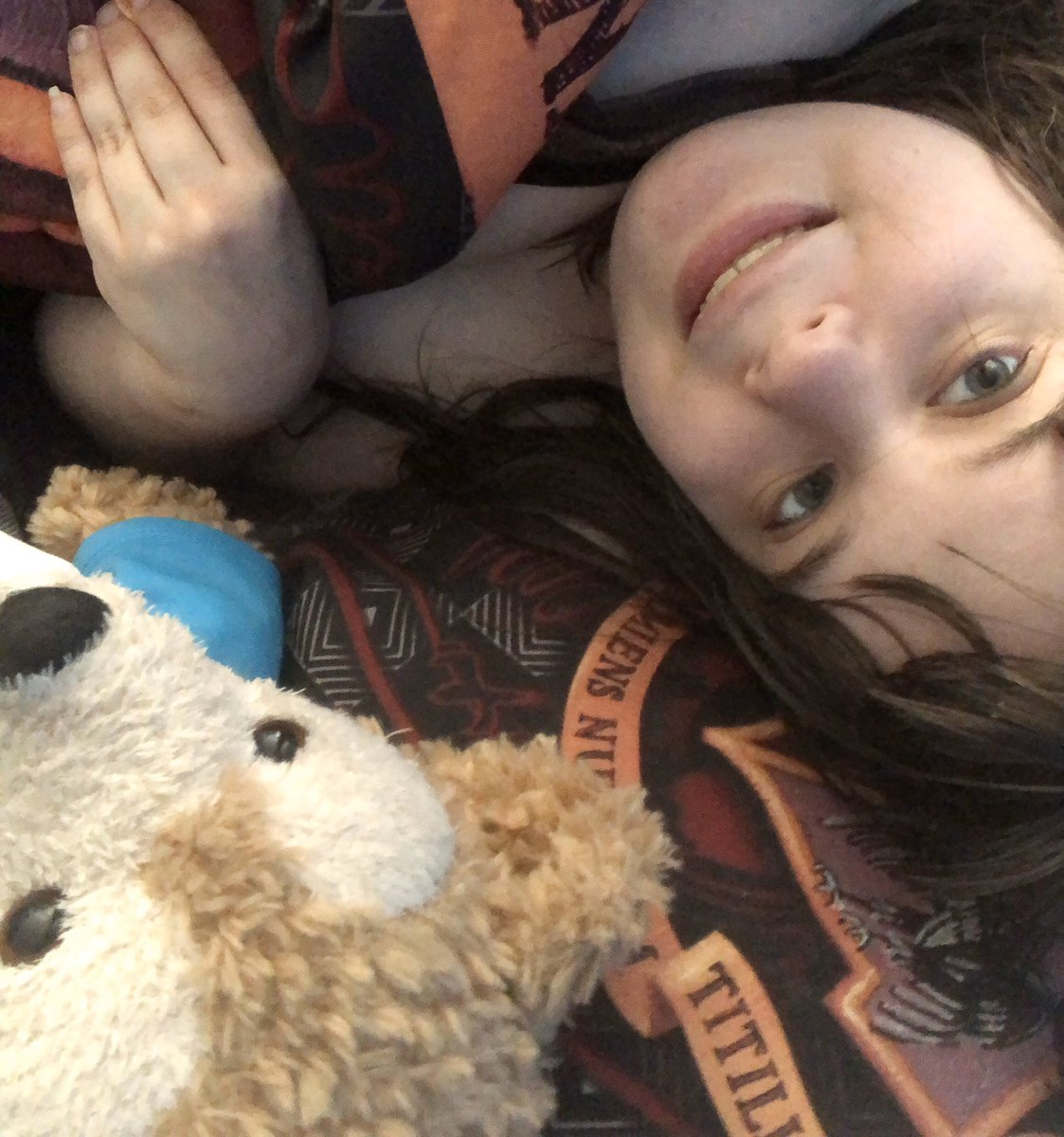 Just a happy sweet princess with her favorite bear 🧸💙🧸 #selfie #beautiful #BestFriends #duffythedisneybear #havingfun #disneylife