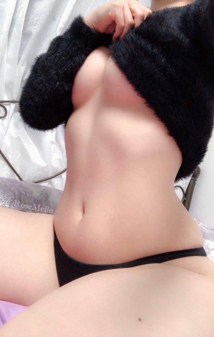 メルのTwitter自撮りエロ画像28