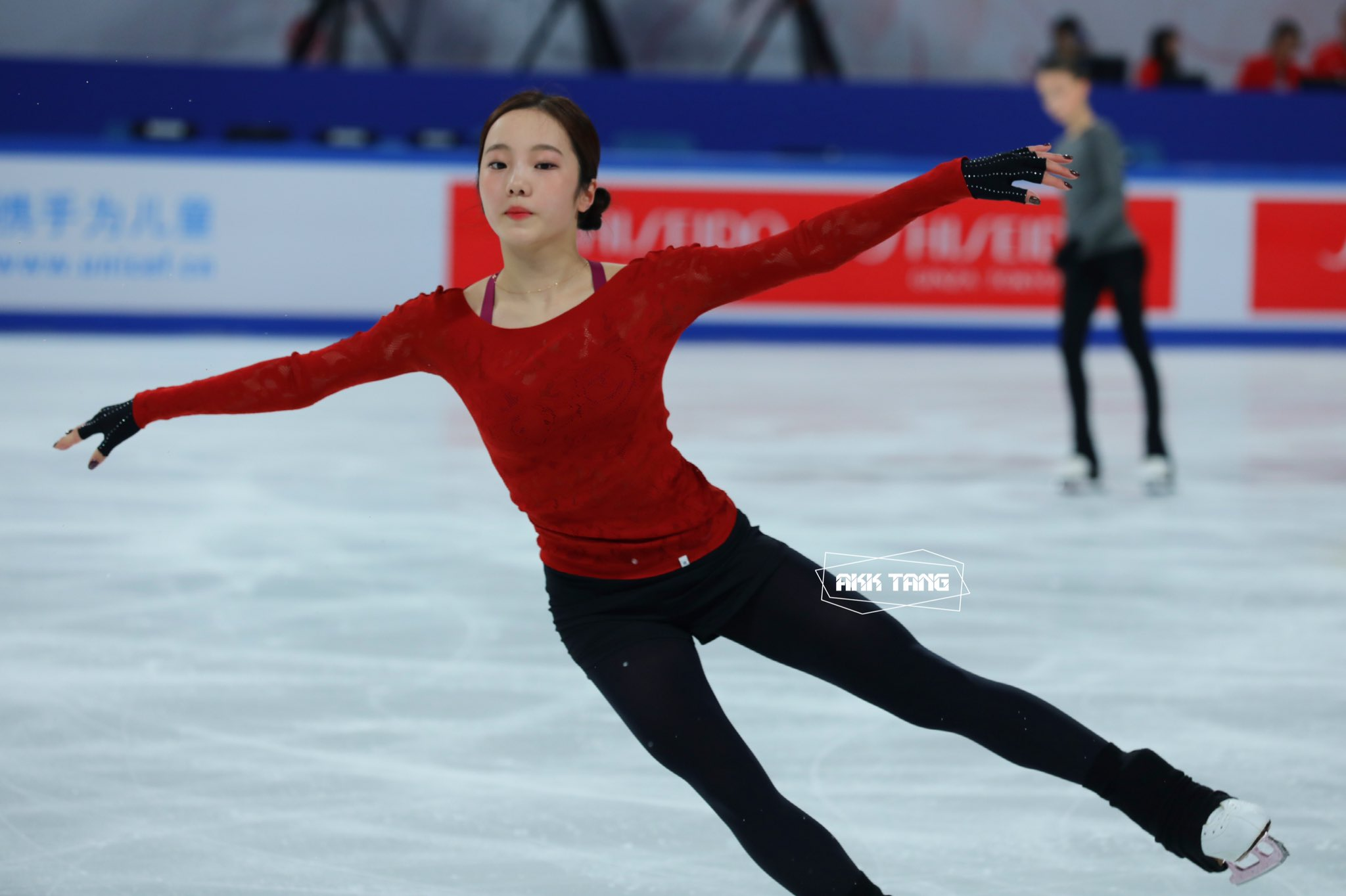 GP - 4 этап. Cup of China Chongqing / CHN November 8-10, 2019 - Страница 2 EIxJ_bYU8AAl-SB?format=jpg&name=4096x4096