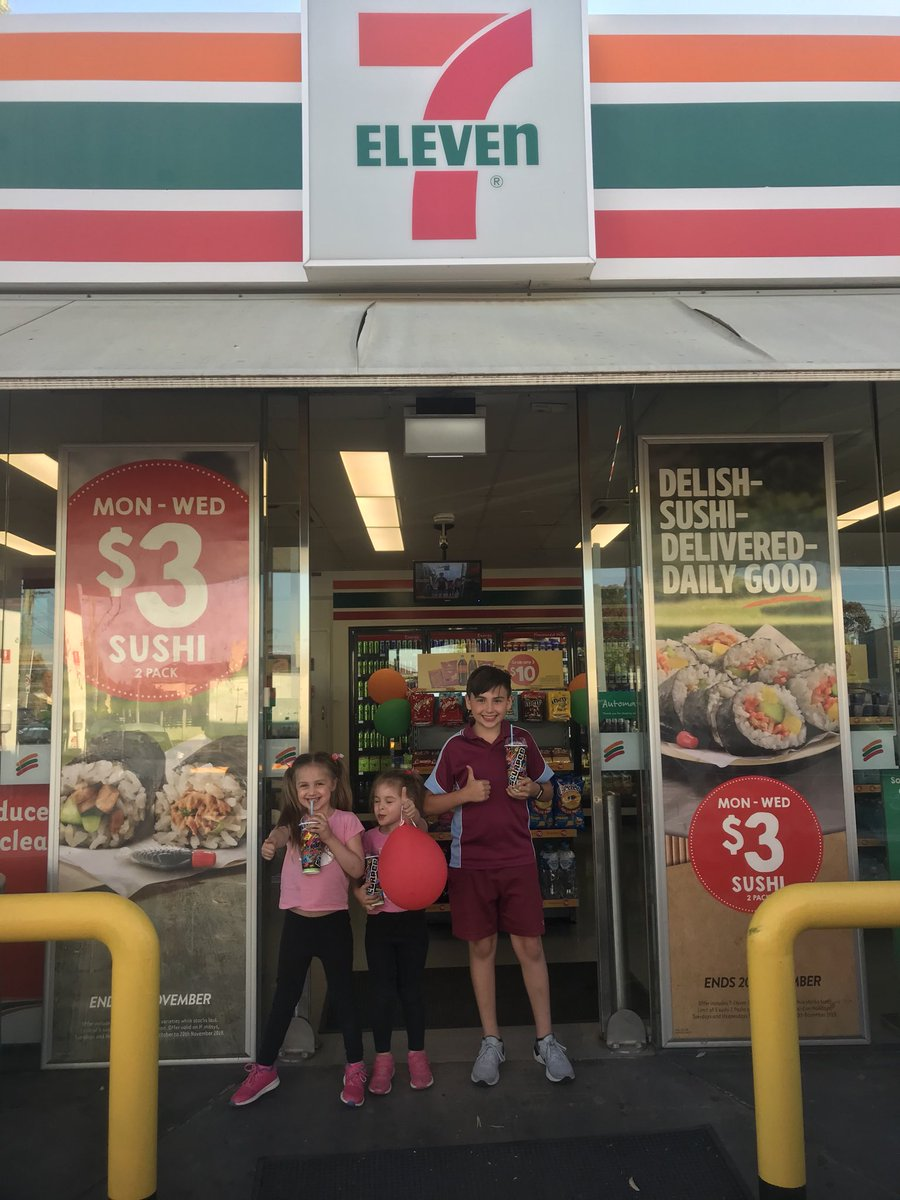 #7ELEVENDAY  Slurpee for everyone- what a great way to cool down <br>http://pic.twitter.com/MQfonPtwgn