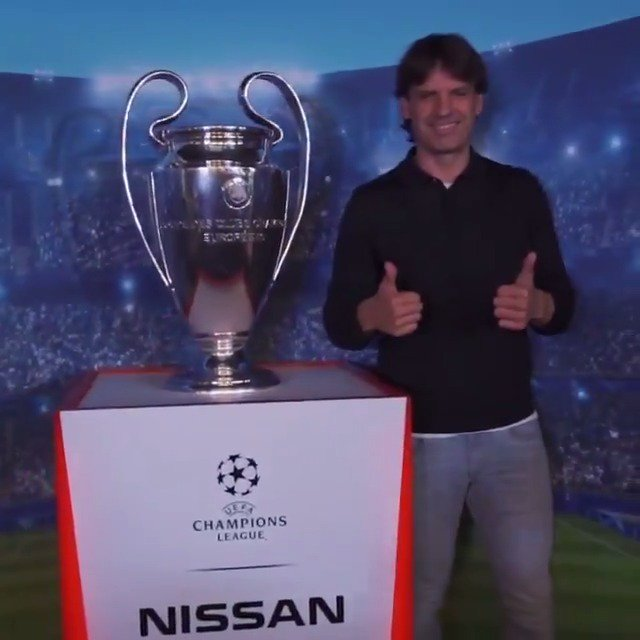 Great fun in Valencia meeting the @ChampionsLeague fans with @MorientesNo9! 🙌  Lille 🔜   #InnovateYourGame #UCLTrophyTour