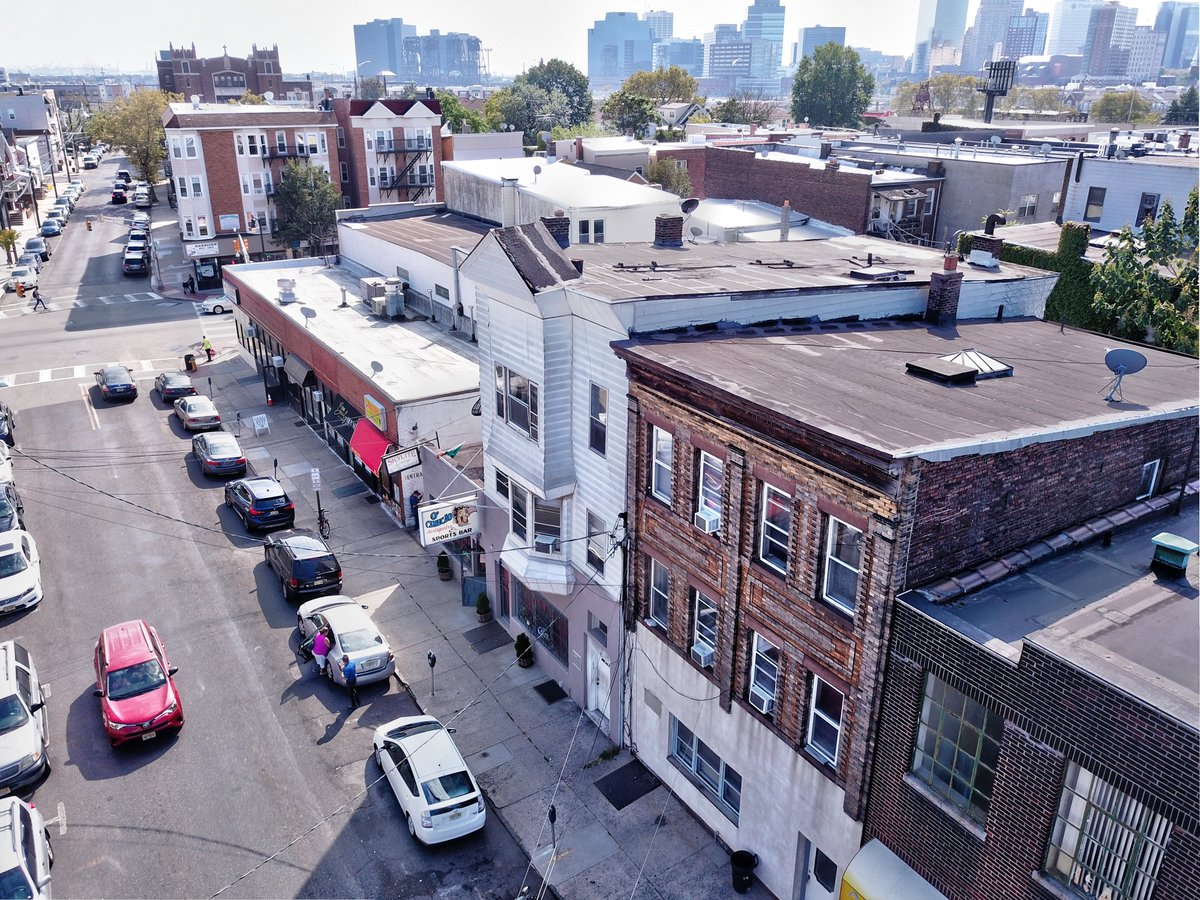 Exclusive Listing in up-and-coming Harrison!  ★ Rare Type 32 Liquor License No Longer Issued Covers Consumption & Retail Sales  ★ Seller Financing & Below Market Rents w/ No Rent Control  ★ Asking: $1.3M . #Multifamily #HudsonCounty #RealEstate #CRE #Harrison #PATHStation https://t.co/60n1IjLuOE