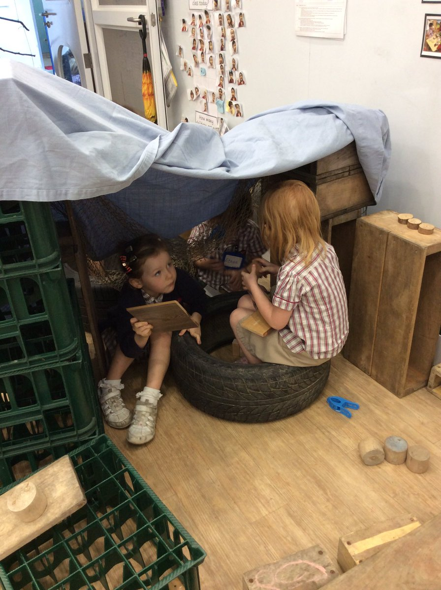 Deconstructed role play providing endless opportunities for imaginative play in the K2 Butterfly class. #interactions #developingideas #engagementpic.twitter.com/Nld61AM1rB