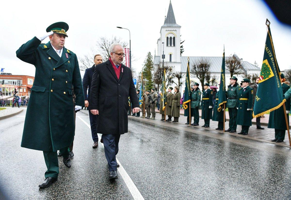 время ввс латвии на параде фото обнаженной звезды опубликовал
