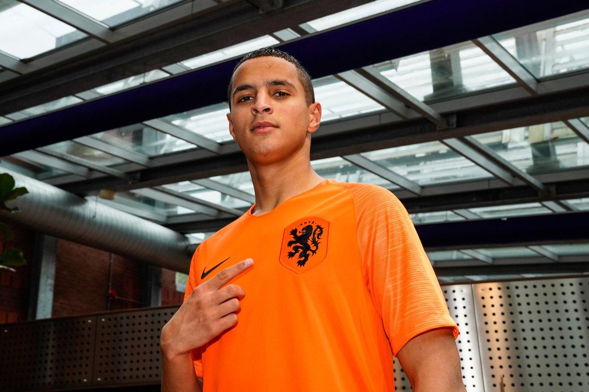 🇳🇱 Mohammed Ihattaren 👌 Next Dutch superstar? #EURO2020 twitter.com/UEFAEURO/statu…