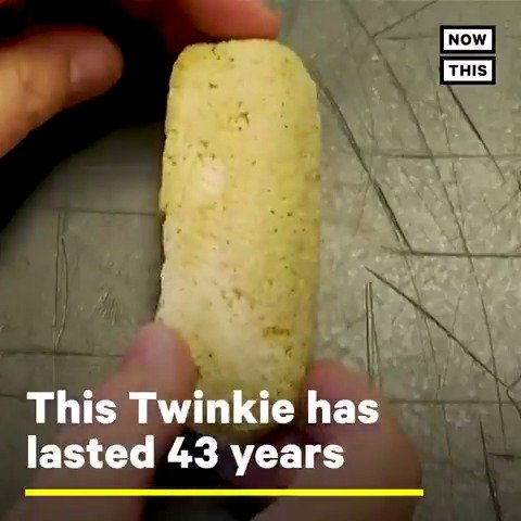 This Twinkie has stayed intact for 43 years😱