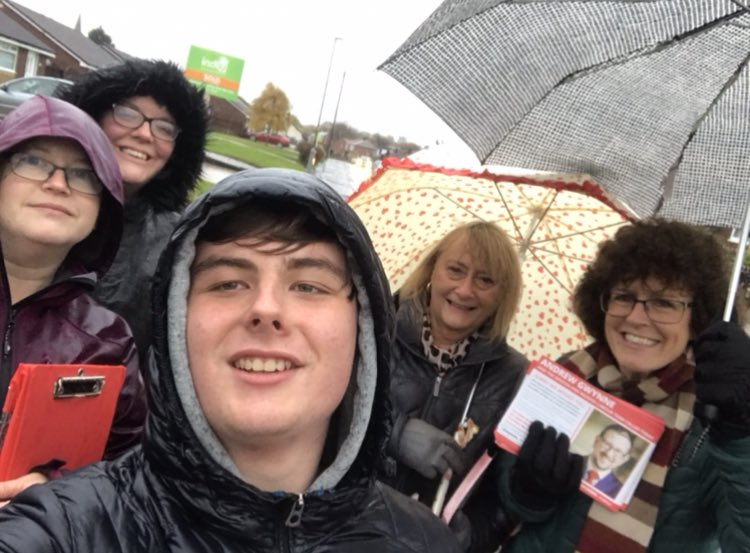 We've had a great response on the very rainy doorstep this afternoon on the City Avenue side of the ward for both myself as the Denton West Labour council candidate and @GwynneMP as the Denton & Reddish Labour Parliamentary candidate! 🌧🌹#LabourDoorstep #VoteLabour