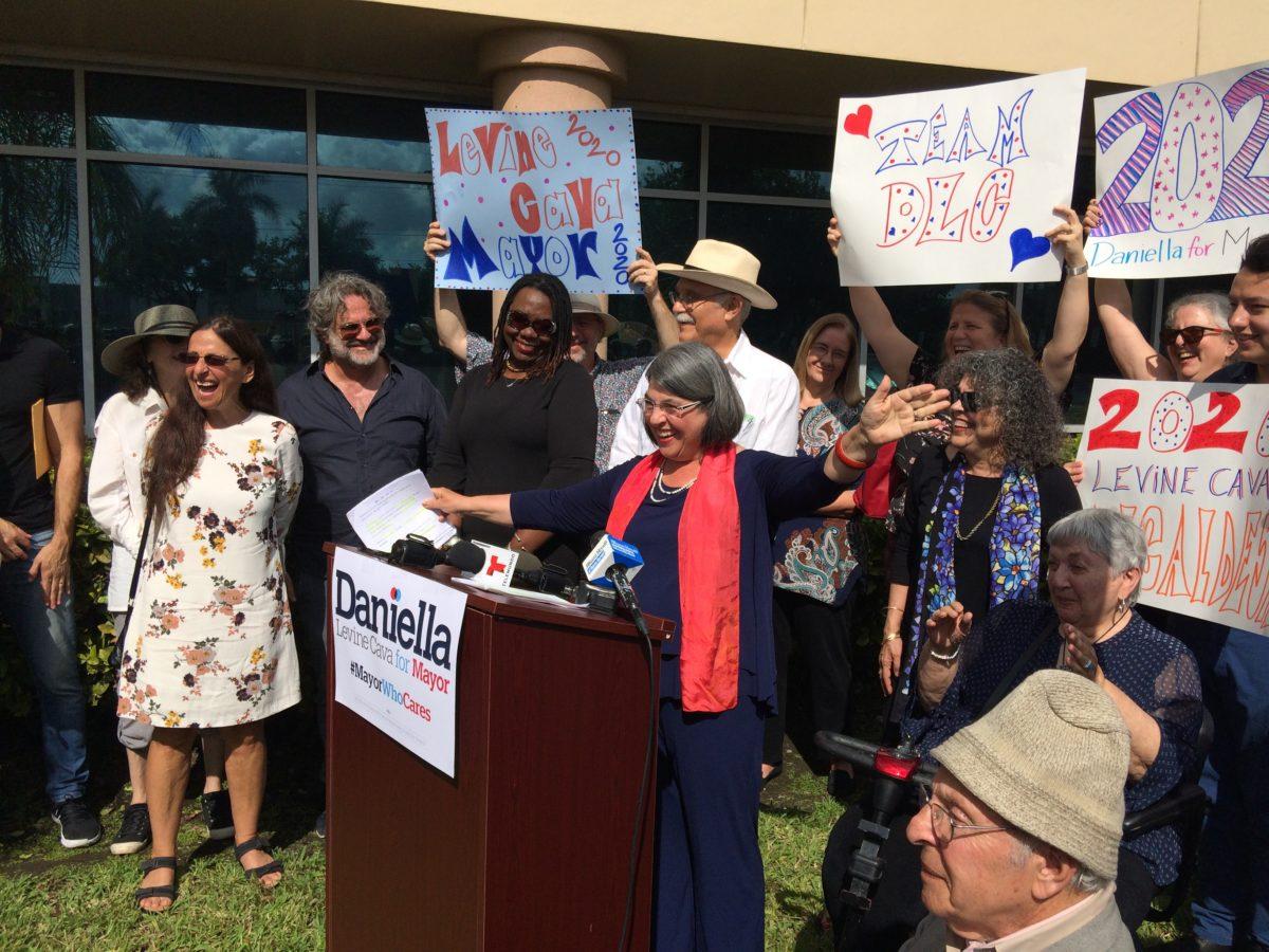 """We need more leaders like her."" Oscar Braynon (@OscarJB2), Nick Duran (@DuranForFlorida) back Daniella Levine Cava (VoteDaniella) in Miami-Dade mayoral race via @realRyanNicol http://bit.ly/2WQZUOe #FlaPol"