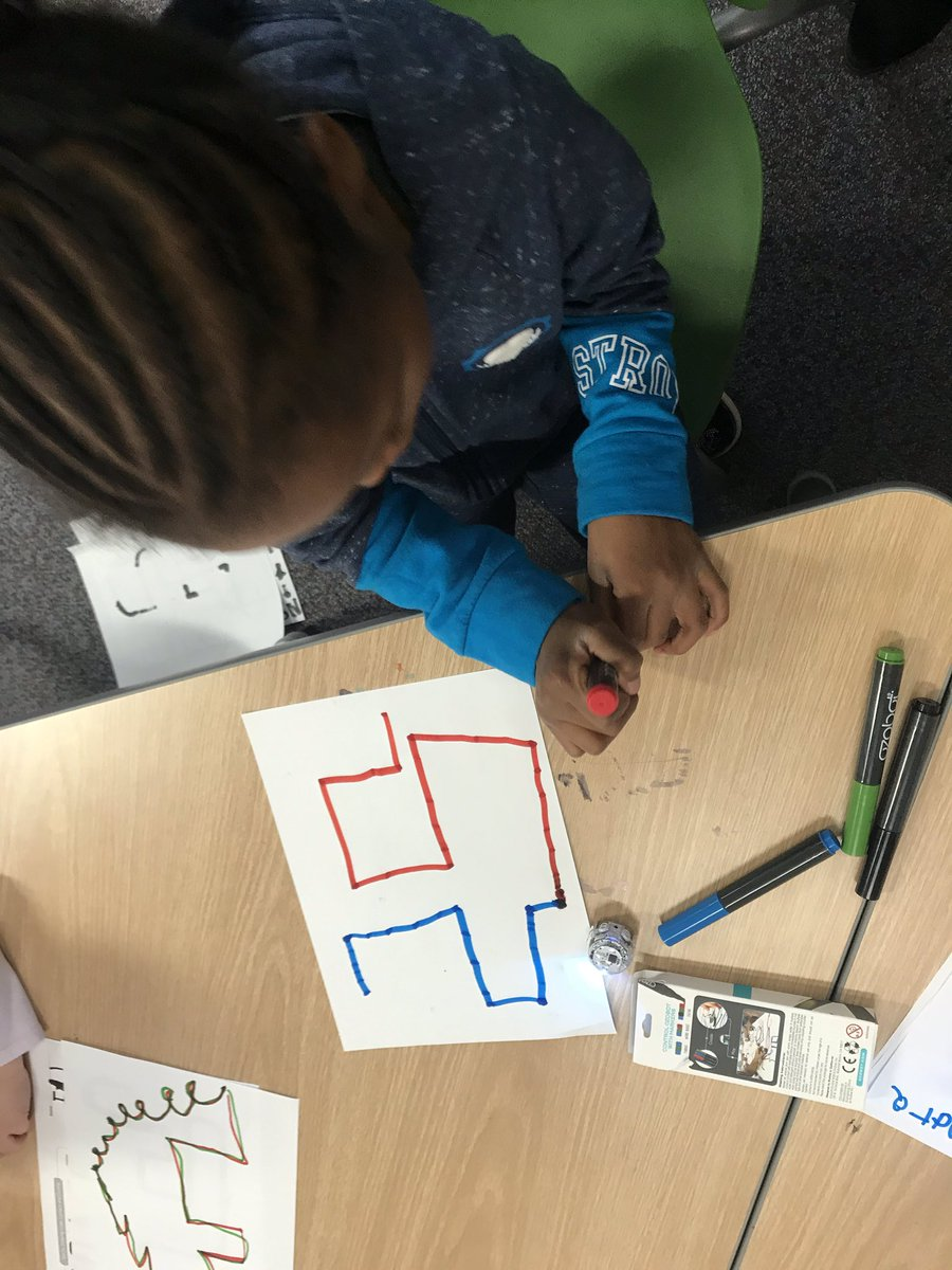 <a target='_blank' href='http://twitter.com/APSDrewKinder'>@APSDrewKinder</a> students meet <a target='_blank' href='http://twitter.com/Ozobot'>@Ozobot</a> today! They learned how to make just right lines for a Ozobot to read. <a target='_blank' href='http://twitter.com/apsdrew'>@apsdrew</a> <a target='_blank' href='http://twitter.com/mrgildea33'>@mrgildea33</a> <a target='_blank' href='https://t.co/ijiwN8RsYG'>https://t.co/ijiwN8RsYG</a>