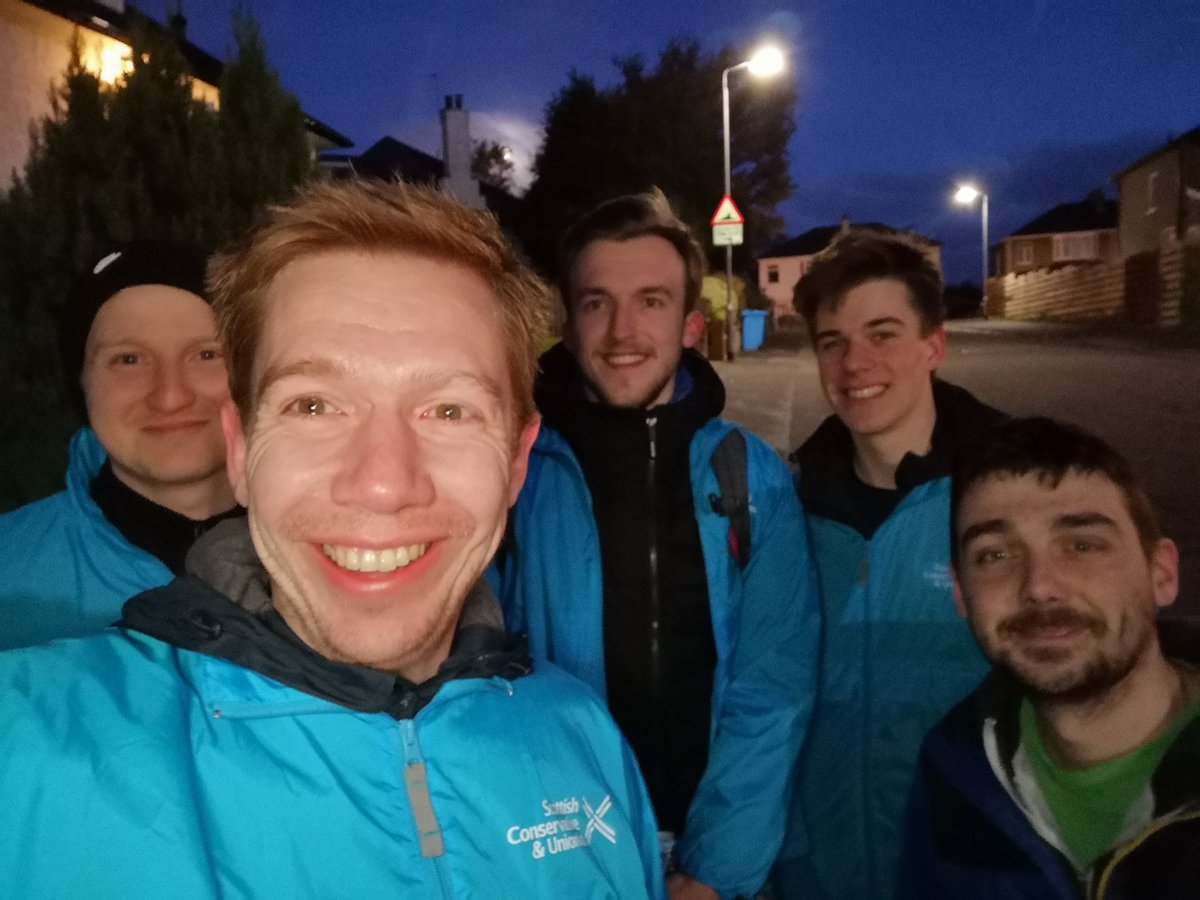 Canvassing session underway in Clarkston. Evening selfie technique needs some work #PM4EastRen #TeamTory