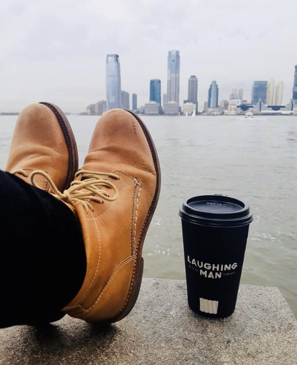 Regram @buttsandshoulders New York, New York! The City of Dreams. And coffee, by @laughingmancafe 🗽 🇺🇸   #allbehappy #makeverycupcount