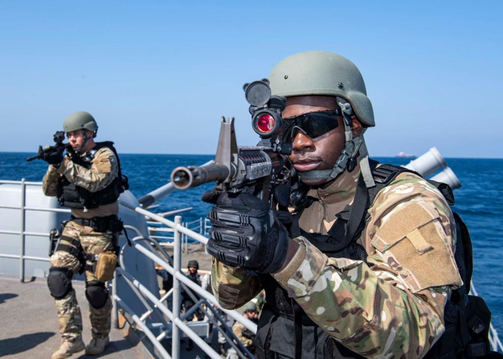 #USNavy Sailors and Pakistan Navy sailors conducted a visit, board, search and seizure #VBSS exercise aboard #USSNormandy yesterday as part of #IMX19. #NavyPartnerships