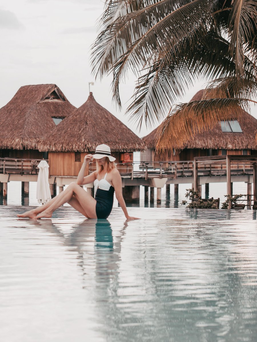OK, who else has an obsession with infinity pools??? I absolutely love them and rarely get to enjoy them so, of course I had to soak this one in!   http://bit.ly/conradborabora   #borabora  #travelgram  #nonrevlife  #interlinerateam