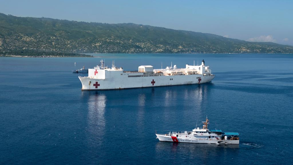 #USNSComfort arrives in Port-au-Prince, #Haiti, for its last medical mission stop on a tour of #CentralAmerica, #SouthAmerica and the #Caribbean. #NavyPartnerships - navy.mil/submit/display…