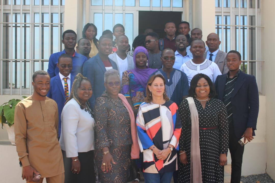 Visite de Mme SÉGOLÈNE ROYAL à la @LomeMjl et au @NunyaLab   Des projets écologiques et entrepreneuriat vert en vue. @LomeMjl @faiejtogo @Devbase_Tg @afradjo @Urbamoussou @AdjoEdwige @NunyaLab @FirminSef https://t.co/RCCiJBxTmg