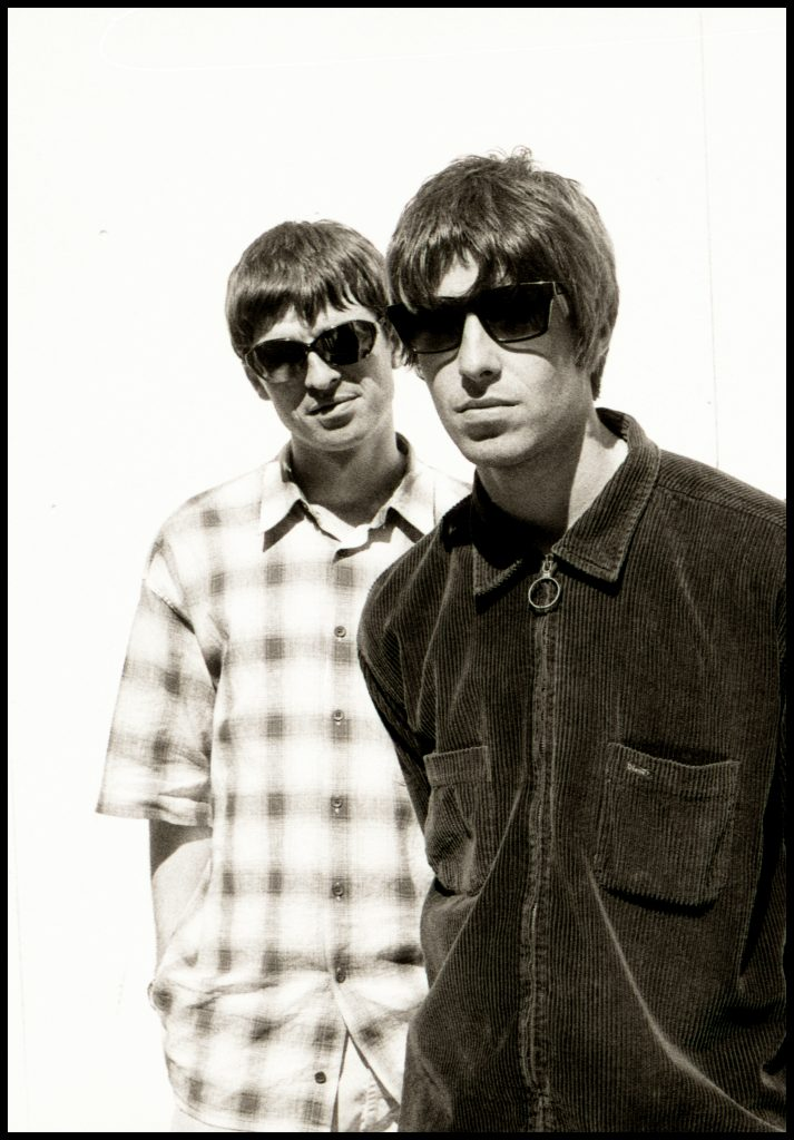 A FREE Oasis photography exhibition opens TODAY. It marks 25 years since the release of Definitely, Maybe. ow.ly/v5jM30pVpK4