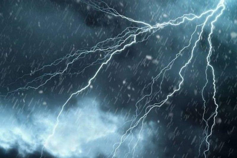 الطقس اليوم: أمطار رعدية على #جازان و #عسير و #الباحة و #مكة والسواحل.http://sabq.org/Zf5c24