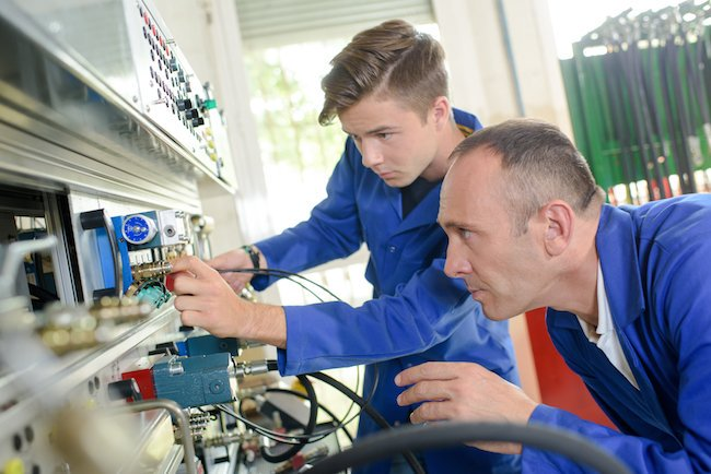 If you have been thinking about your career recently, and have decided that you would like to try and get into manufacturing, then there are a few ways in which you can do this  Find out about our courses 👉 http://freshfieldtraining.com/courses/   #apprenticeship #training