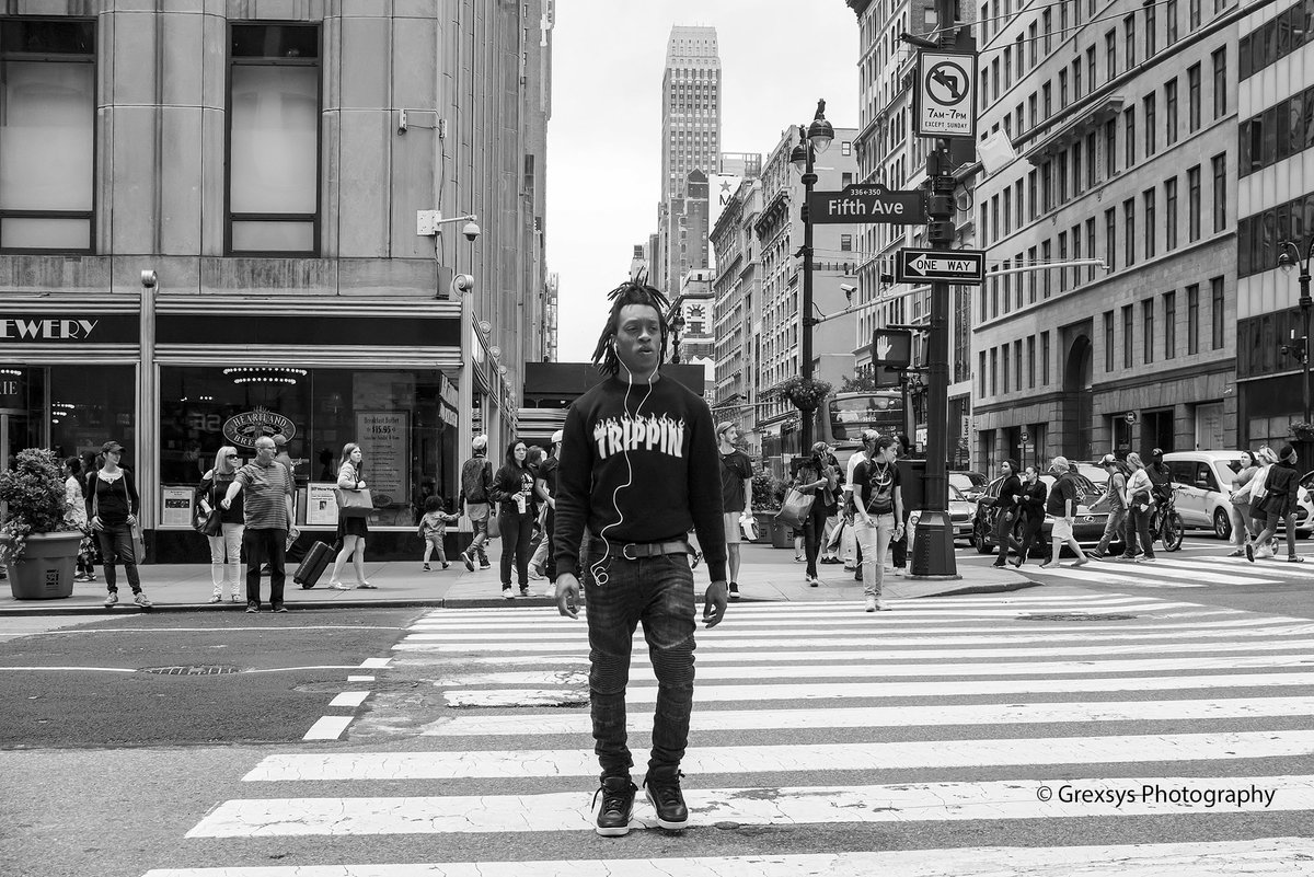 Grexsys Photography on Twitter: Walking in NYC, this young man crossed the street while everyone waited. It made for a good photo, his shirt made it great. #potd #photooftheday #photography #blackandwhitephotography…