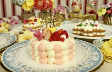 12月19日までの期間限定で東京都有楽町駅近くにある「ラ・メール・プラール東京」にて、フォトジェニックなケーキを作って食べられる「marryカフェ」が開催中✨完全予約制になっています!