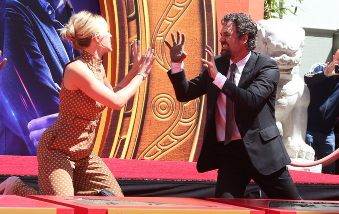Happy Birthday to Scarlett Johansson and Mark Ruffalo aka one of the best duo in the mcu!