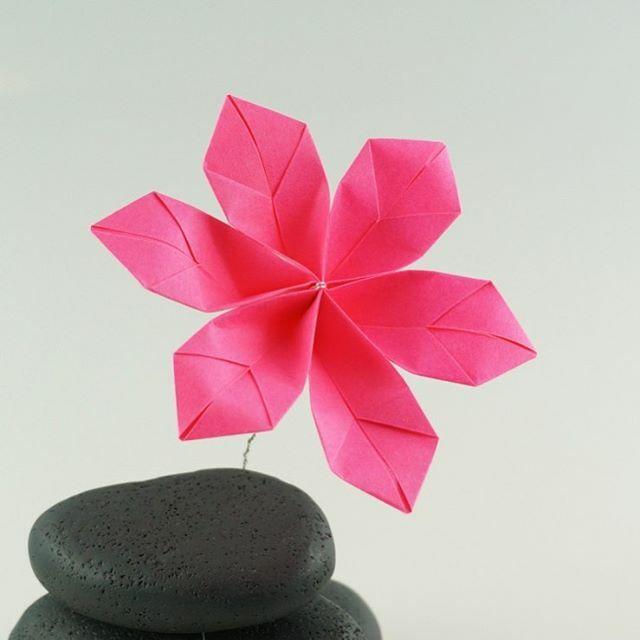 Flower ball made of paper / Blütenball aus Papier. Origami. - YouTube | 640x640