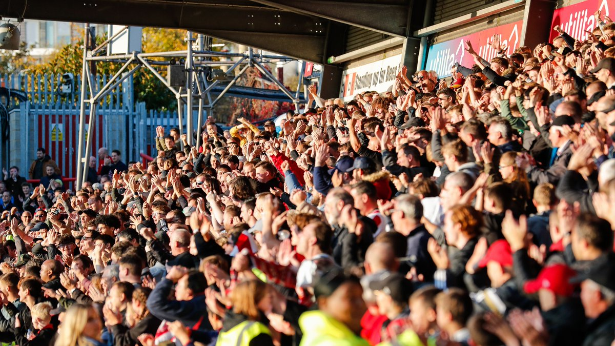 0⃣◾◾◾◾◾◾◾◾◾💯 The Ealing Road is Sold Out for Saturdays game Availability elsewhere is limited so dont delay 👉tickets.brentfordfc.com/login #BrentfordFC #BREREA