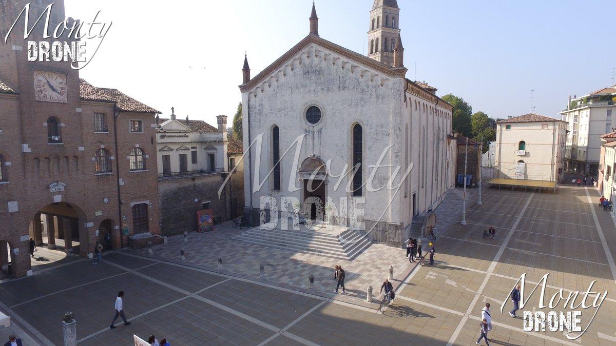 Un giro per #oderzo in piazza al #duomooderzo A walk in Oderzo in the square where is found the #cathedral Wiki info https://it.m.wikipedia.org/wiki/Duomo_di_Oderzo… #chiesa #drone #dronephotography #droneinstagram #droneaffair #droneaffairspic.twitter.com/U4hDgu46Ek