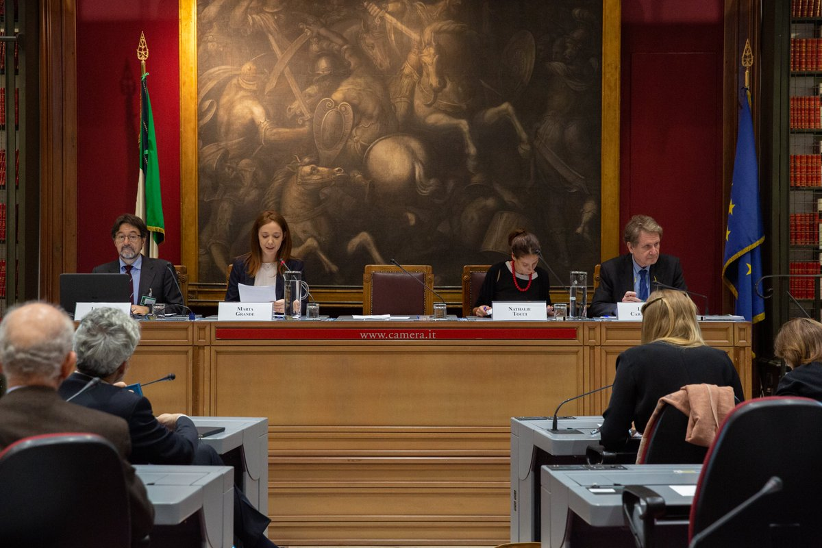 Camera dei deputati montecitorio twitter for Camera dei deputati italiana