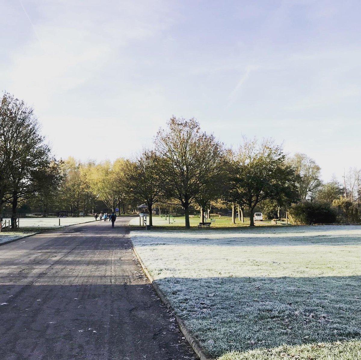 Ce matin au Parc d'Isle nous avons pu contempler les 1ères gelées de la saison ❄️ https://t.co/S8tqZD6eTx
