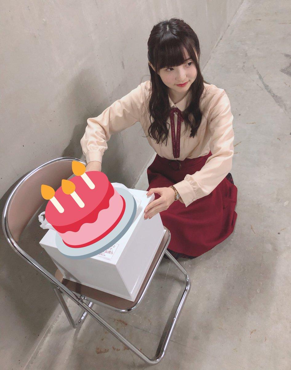 山崎エリイちゃんのバースデーイベントにサプライズで出演させていただきました〜🥳🎂🎉🎉メッセージ動画の流れでケーキを持って行きましたよ🎵エリイちゃんは泣いてました😂❤️大成功⭐️お誕生日&リリースおめでとう!!これからもずっと応援してます🎵🎵
