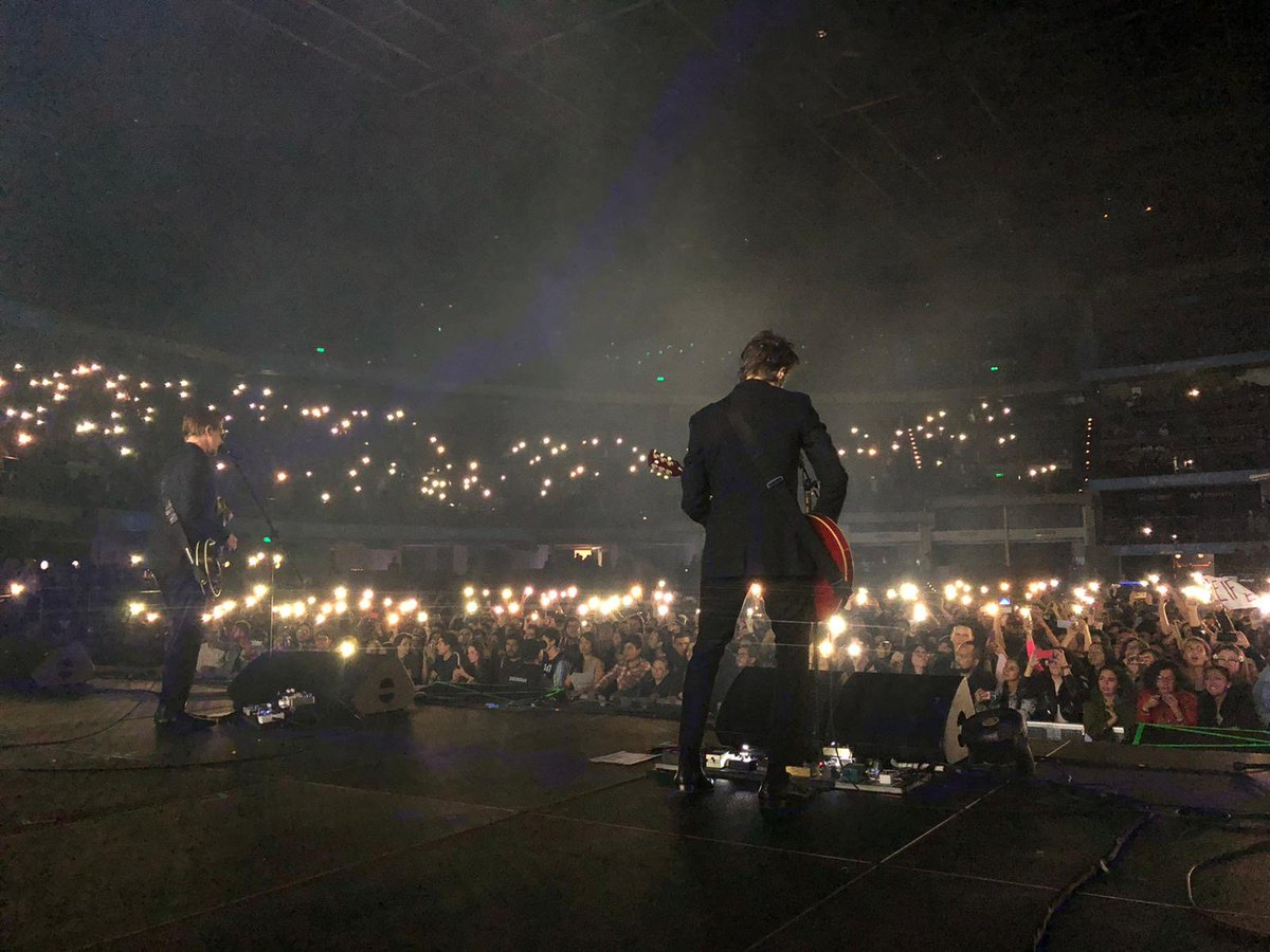 Thank you Bogotá. That was something. Lit up cell phones during NYC! 📷: Tony Bones https://t.co/WHeAfyWKhB