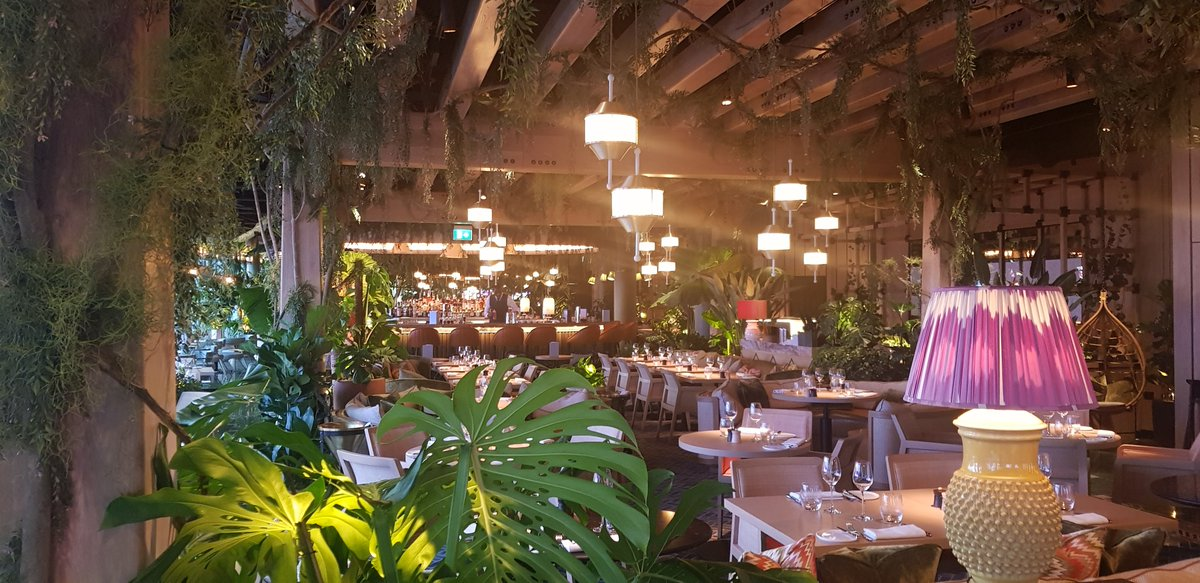 Love the décor (and the cocktails) @14hillslondon, the new @DandDLondon restaurant in Fenchurch Street. #vsukvisits #londonrestaurants