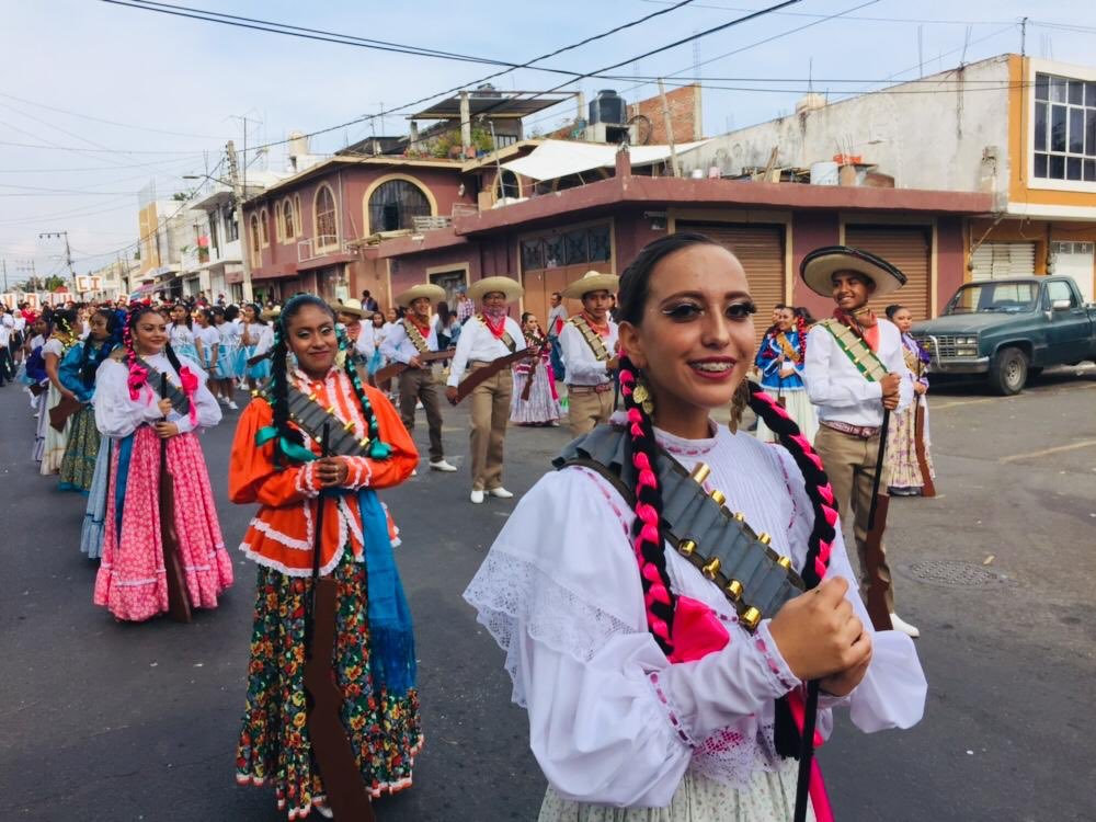 🇲🇽 Contingente de nuestra institución en el Desfile conmemorativo del 109 Aniversario de la Revolución Mexicana 🇲🇽 .   #ESMO #InteligenciaFuerzaVoluntad #RevoluciónMexicana #VivaLaRevolución #HacerHistoriaHacerFuturo #Puebla #NuevaEscuelaMexicana #educación #EducaciónBásica