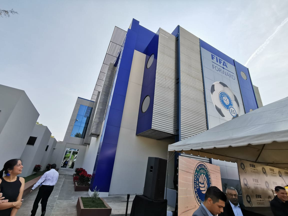 XVIII Congreso Ordinario de UNCAF y visita del presidente de FIFA Gianni Infantino a El Salvador. EJ1IXzNXYAADOp5?format=jpg&name=medium