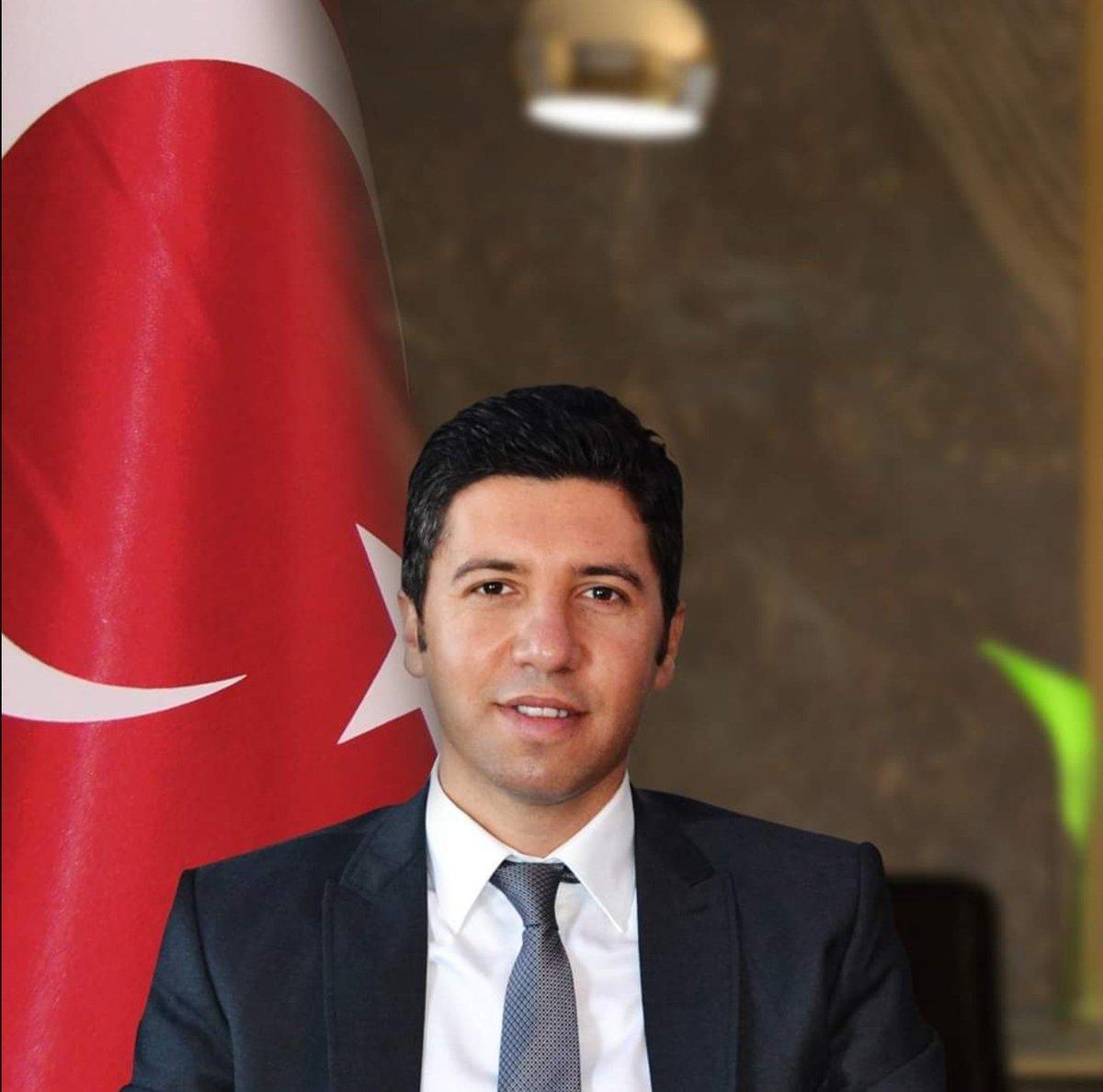AK Parti Adana İl Başkanımız, Değerli ve Kıymetli Abim Sn. Av. @mehmetay01 Olmuştur. Hayırlı Olsun . Yeni Görevinde Başarılar Diliyorum. @jsarieroglu @ahmetzenbilci @abdullahdogru01 @MSErdinc @islambunul