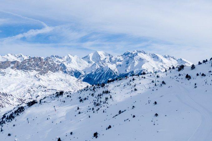 Os esperamos este sábado. Atención a la previsión de apertura ¡102 kilómetros esquiables! Más info 👉https://t.co/0SPh96WNr4 ¿Quién se apunta a disfrutar de la #temPOWrada con nosotros?