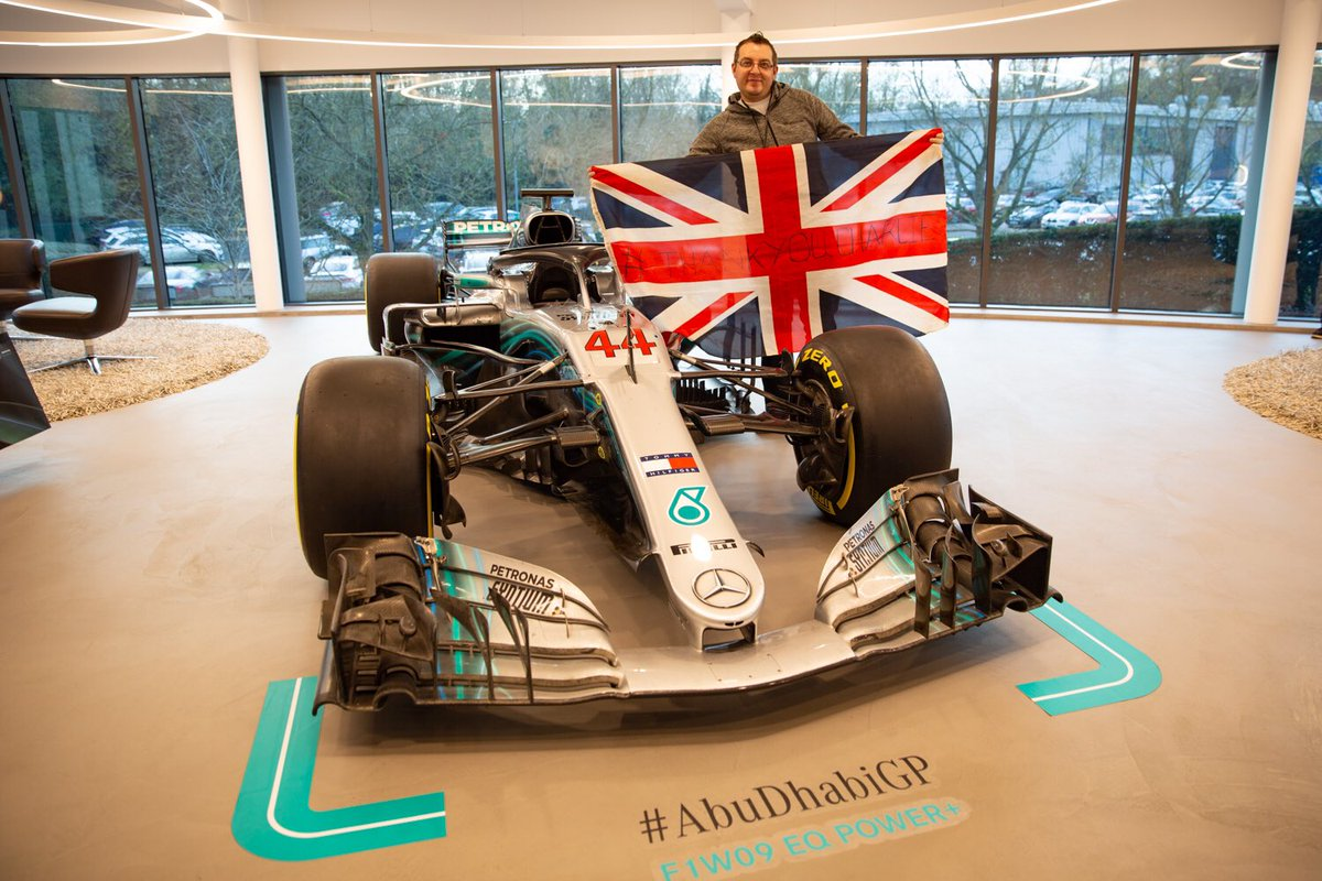 Remember the Union Jack that @LewisHamilton celebrated his #BritishGP win with back in the summer...   We thought it was about time we returned it to its rightful owner   So today we invited @SilverstoneUK marshall, Steffan, to the factory! <br>http://pic.twitter.com/XazdSWgFMx