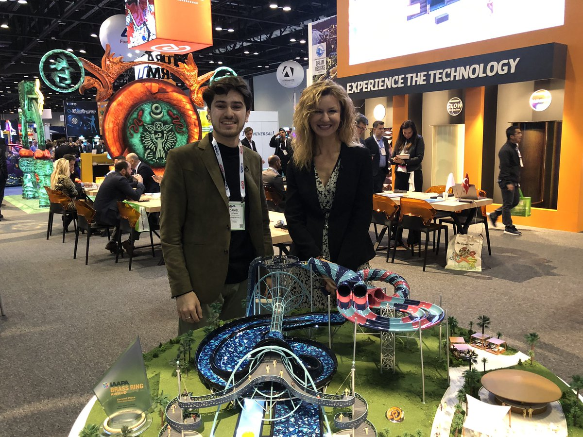 Wrapped a great conversation with Söhret Pakis at @PolinWaterparks, who's actually in the middle of her thesis connecting neuroscience with amusement park engagement. Incredible stuff by her, publishing next year.~ #IAAPA19<br>http://pic.twitter.com/4r6jNuU1WK
