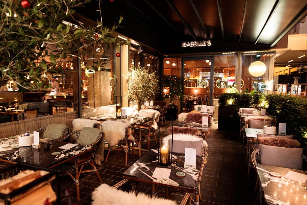 Get Cosy this Christmas at Isabelle's Winter Chalet, in collaboration with Roe & Co ✨😍  Our outdoor terrace has been transformed into a romantic snow-capped hideaway, with festive cocktails that will warm you up from the inside out.  Walk ins welcome // book@isabelles.ie https://t.co/OD7czSxh3P