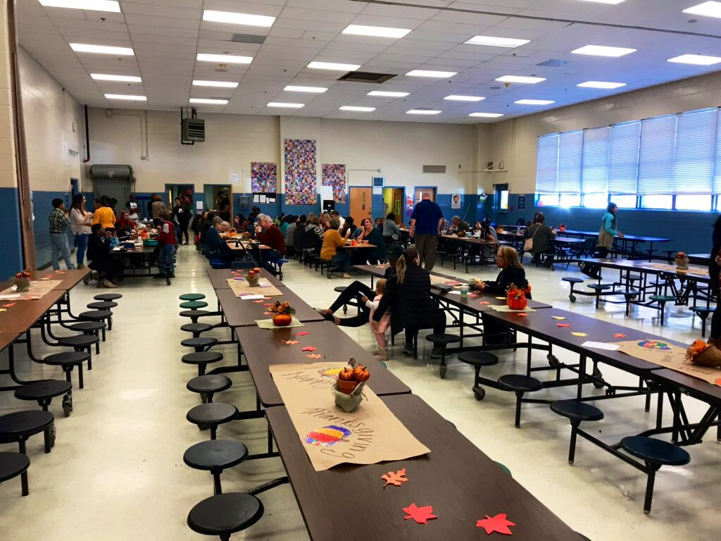 Thanksgiving lunches again today! Love seeing our families connecting to school and enjoying their students during this special time! #wearethepark  #happythanksgiving  🦃