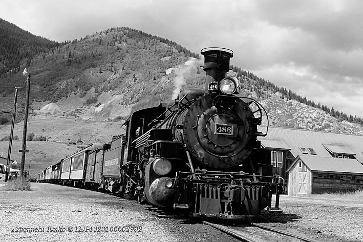 Durango & Silverton Narrow Gauge Railroad デュランゴ&シルバートン狭軌鉄道  FUJIFILM X-T1 Copyright #HJPI320100002902  #fujifilm  #steamlocomotive  #Train  #blackandwhitephotography  #blackandwhite