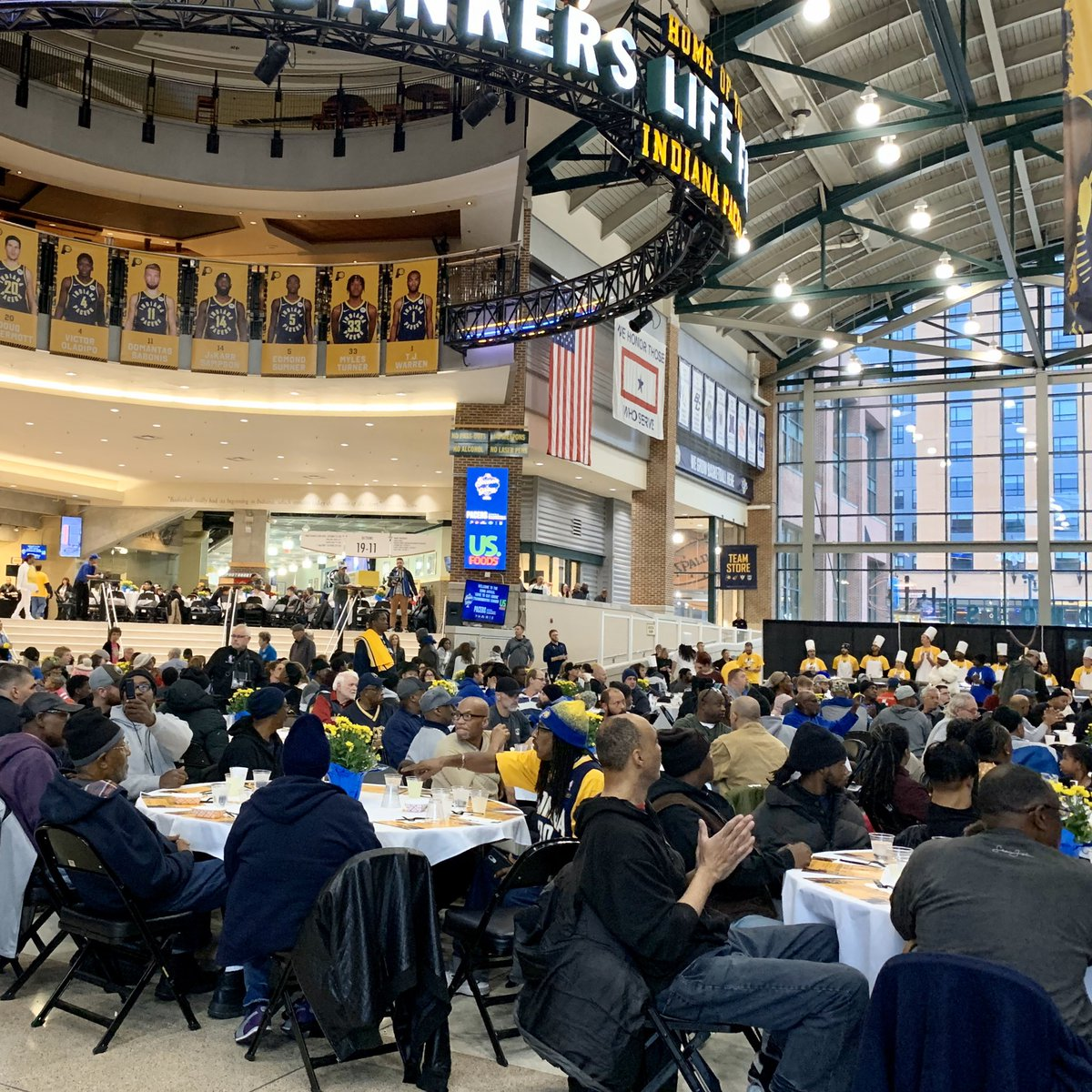 We're serving it up at the annual Come to Our House Thanksgiving Dinner presented by @USFoods and hosted by @VicOladipo, @dougmcdermott & the @PacersFdn 🤗  #SeasonOfGiving x @PacersCares – at Bankers Life Fieldhouse