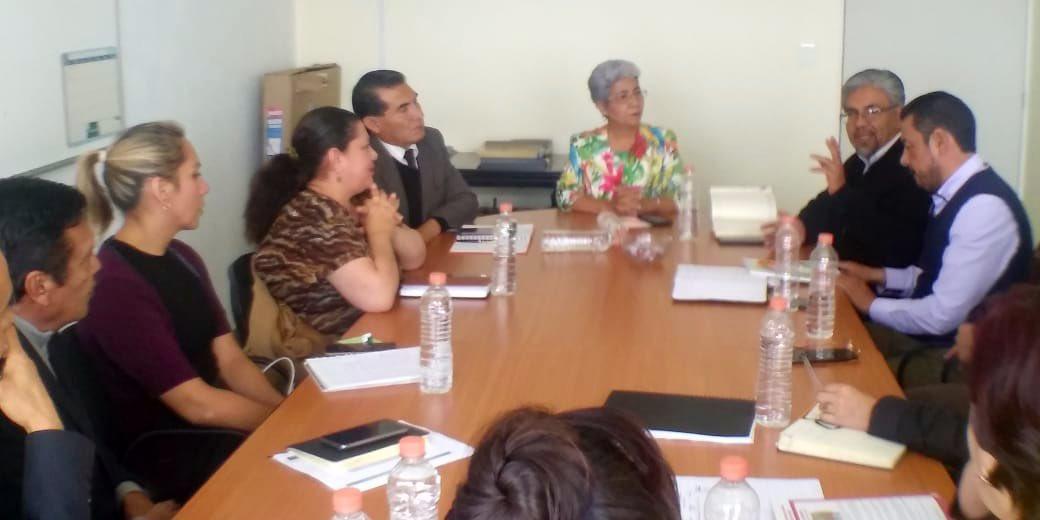 La Subsecretaria Mtra. @RamirezAnalco preside la reunión con Directores Generales para iniciar la revisión de los Protocolos de actuación que se implementan en las escuelas de #EducaciónBásica @SEPHidalgo