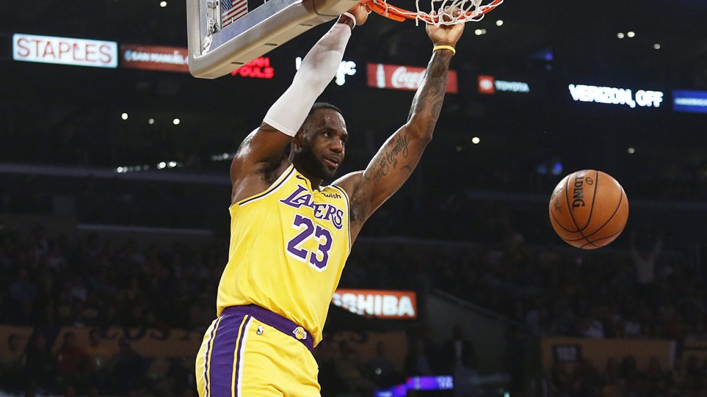 Basketball Central is up at 11pm with @MarcusFitzy   @kylegoon checks in from SoCal with the #LakeShow off to a 12-2 start, and @KirkSeriousFace weighs in on Luka Doncic's MVP candidacy.  http://player.sportsnet650.ca