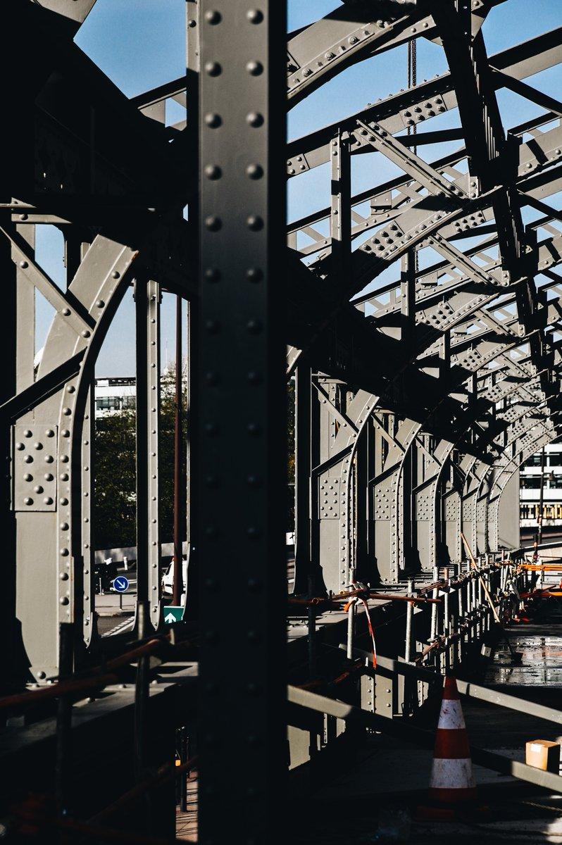 Démontée en 2017 afin d'être mieux mise en valeur, l'historique Halle Eiffel est en cours d'assemblage #Bridge #Métamorphoses