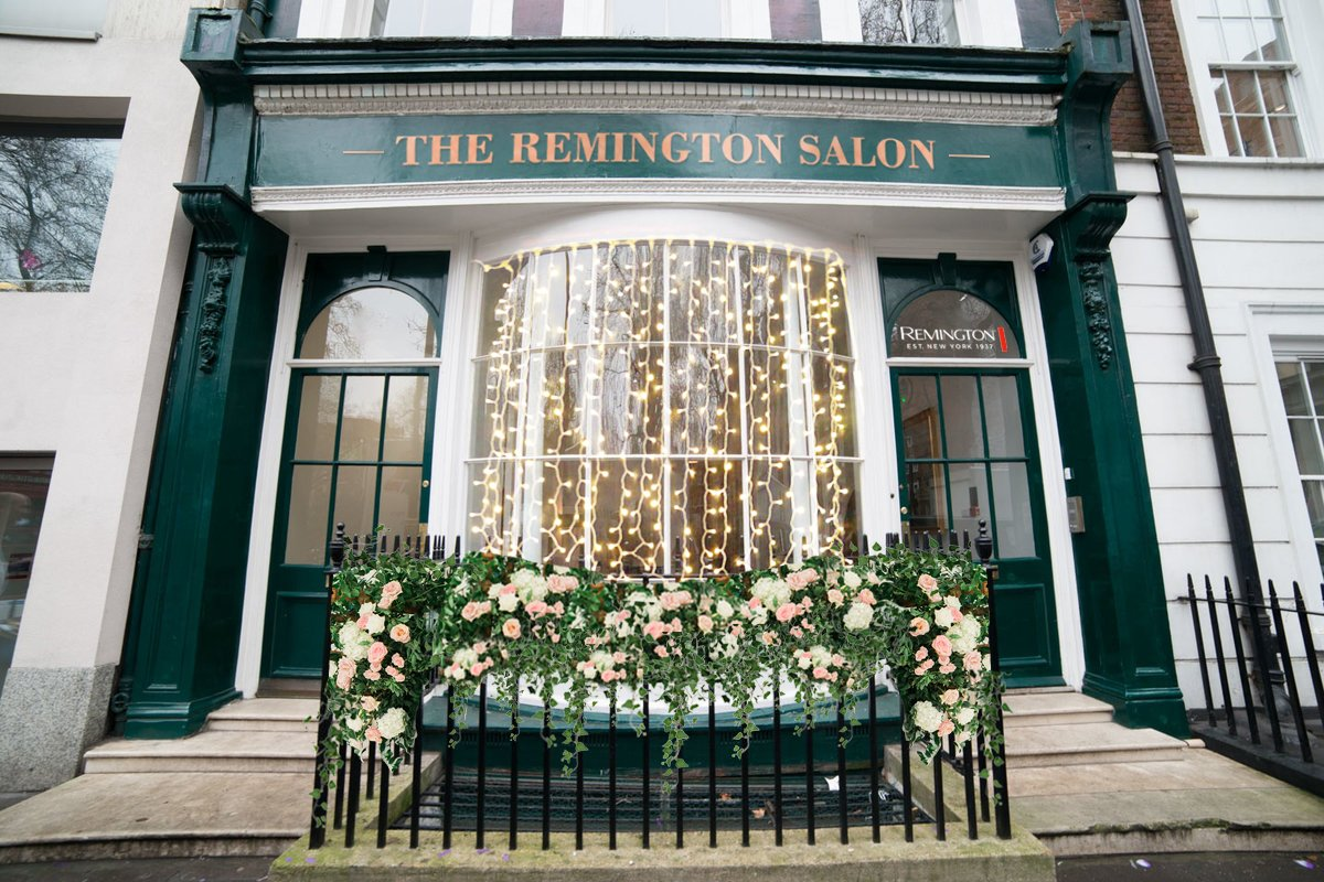 Our team have been hard at work launching the stunning @RemingtonUK Salons in Manchester and London, just in time for Christmas party season! 🎅  You can book your very own FREE 20-minute appointment with of the expert Remington Stylists here: