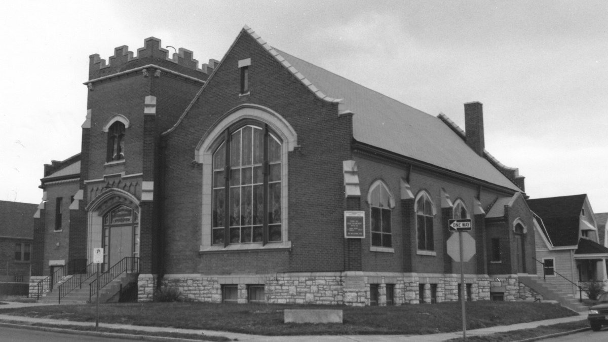 New, mbrs-only database: Memorial Congregational UCC, St. Louis, MO: Marriages from 1893 to 1974 https://t.co/lX6ThmuhsR #genealogy #churchrecords https://t.co/rxFz5BKsiI