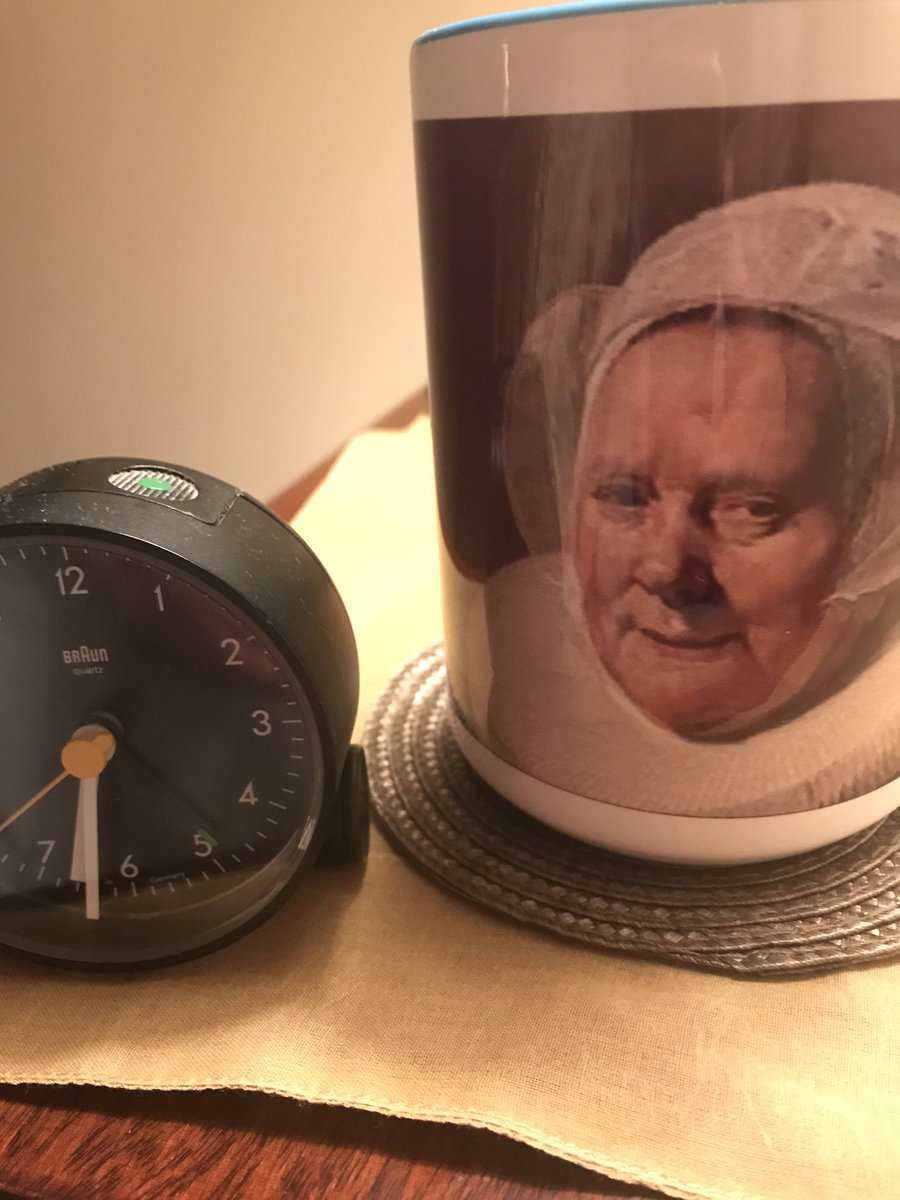 Up and at 'em, friends. This gorgeous @duchessgoldblat mug (xx!) will brook no snooze alarms.